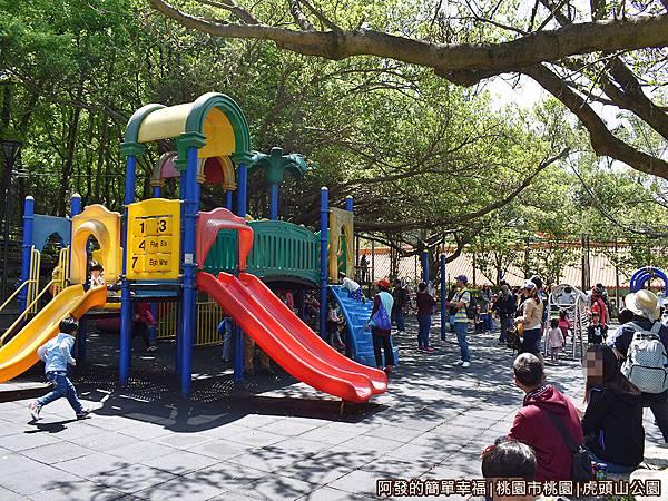 虎頭山公園20-靠近孔廟側的遊戲區.JPG