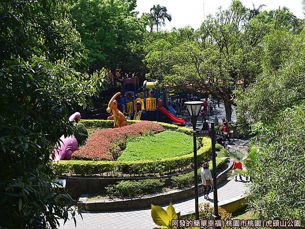 虎頭山公園08-一旁的圓形花圃.JPG