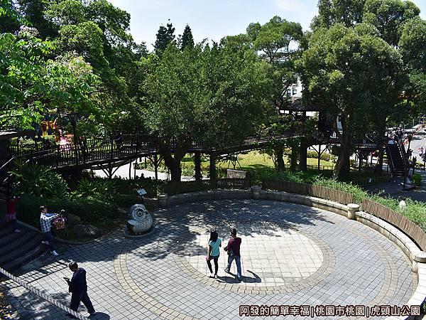 虎頭山公園13-廣場一景.JPG
