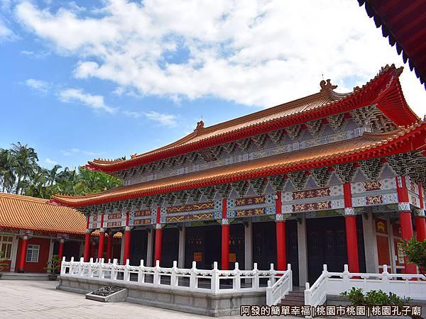 桃園孔子廟05-大成殿-仿中國宮殿建築外觀.JPG