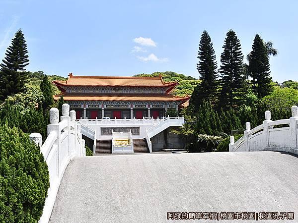 虎頭山公園周邊景點美食08-桃園孔子廟-泮池區.JPG