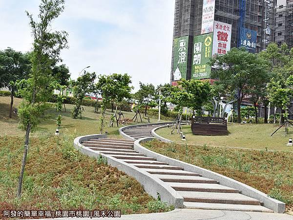 風禾公園18-階梯.JPG