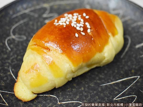 小潘蛋糕坊18-小牛角奶酥麵包.JPG