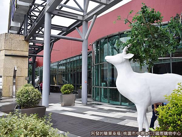 大江國際購物中心34-空中長廊.JPG