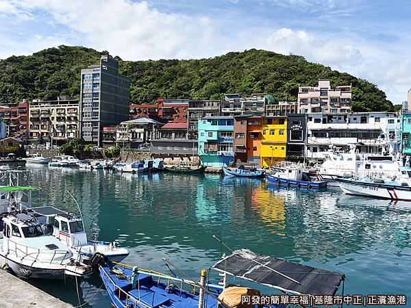 正濱漁港14-漁港碼頭.JPG