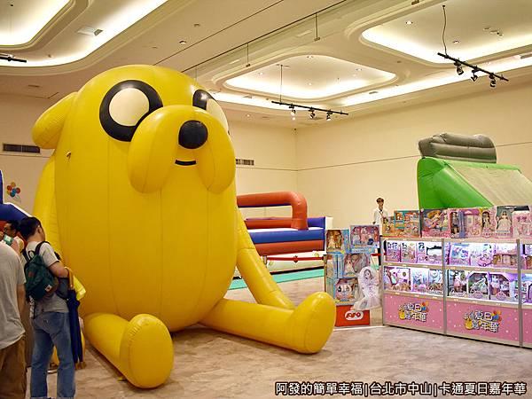 卡通夏日嘉年華14-3公尺高的大型老皮氣墊公仔.JPG