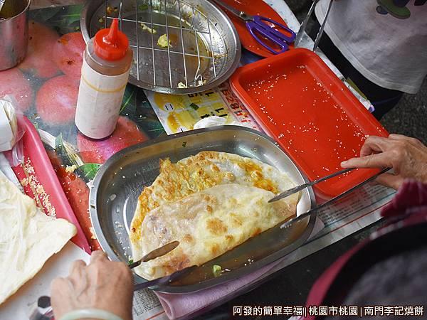 李燒餅09-排蛋餅.jpg