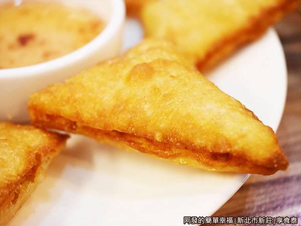 享食泰13-蝦餅特寫.JPG