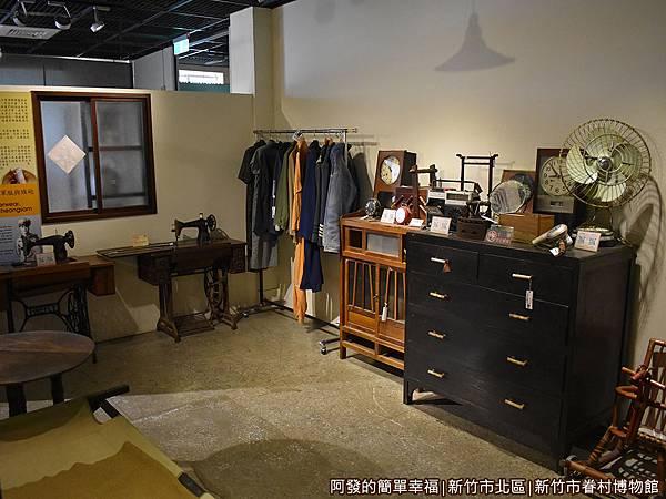 新竹市眷村博物館29-眷村生活寫實-房間.JPG