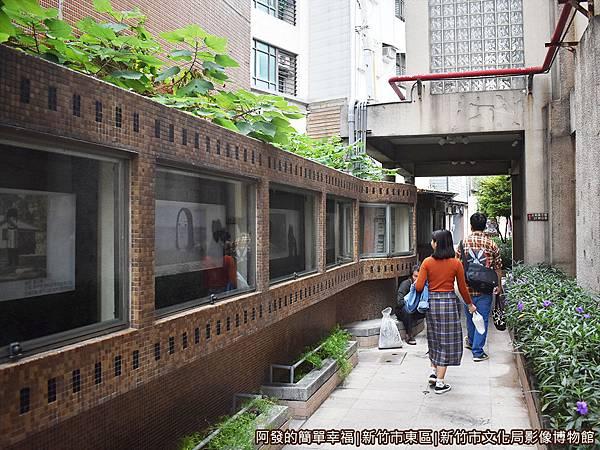 影像博物館04-博物館左側電影迴廊.JPG