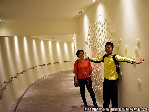 台灣棒球名人堂28-6樓往5樓.JPG