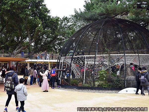 新竹市立動物園32-滿滿的人潮.JPG