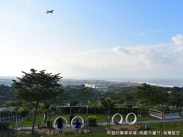 海灣星空03-飛機從空劃過.JPG