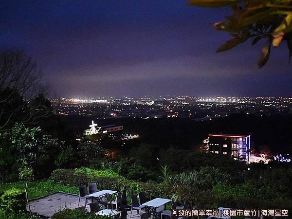 海灣星空25-窗外夜景.JPG