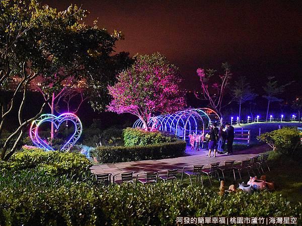 海灣星空29-晚間的庭院景色.JPG