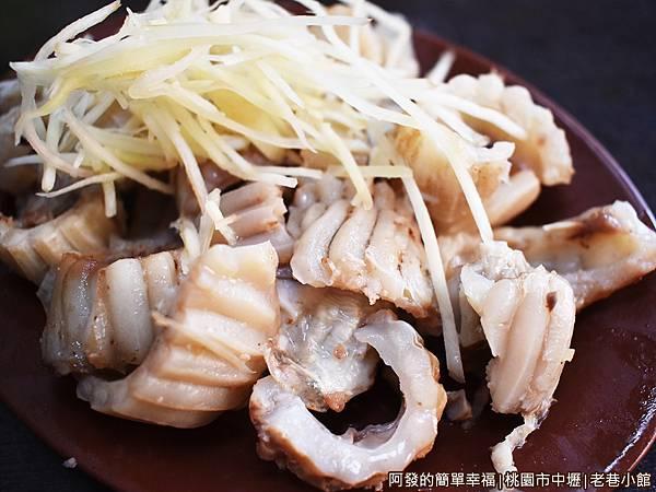 老巷小館13-豬頭肉-天梯.JPG