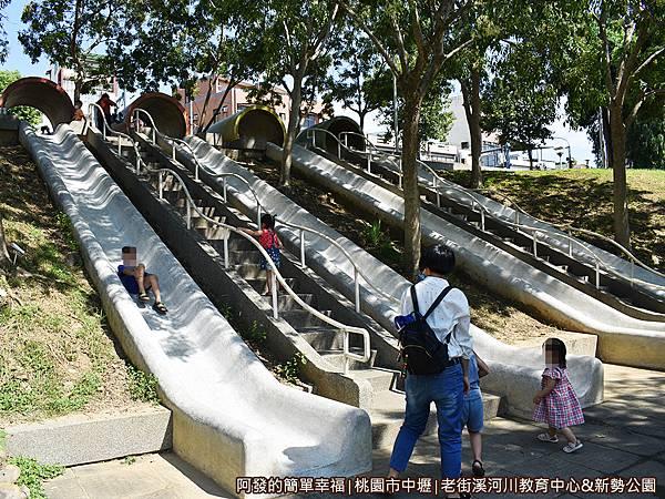 老街溪河川教育中心08-充滿著歡孩童笑聲的溜滑梯區.JPG