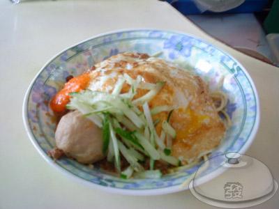 龜山鄉-牛角坡早餐店-炒麵內用.jpg