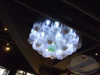 流行館(遠東環生方舟)-29保特瓶燈飾.jpg