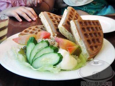 米朗琪咖啡館200907-2鮪魚蔬菜鬆餅.jpg