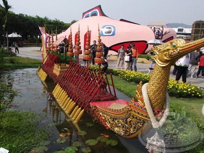 寰宇庭園區-泰國-泰國綺麗庭園中的祥和07-皇家駁船.jpg