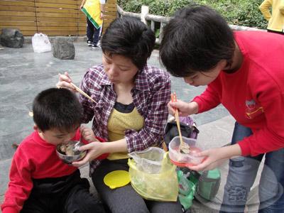 樂區-文化館午餐01-自備 鹹水雞、糯米腸、麵包.jpg