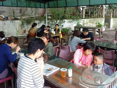 牛角坡早餐店-庭院1.jpg