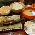 肥前屋-秋刀魚定食100元.jpg