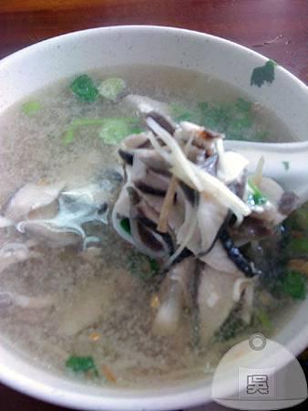 魯肉發-魚肉湯45元.jpg