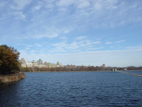 中央公園向西