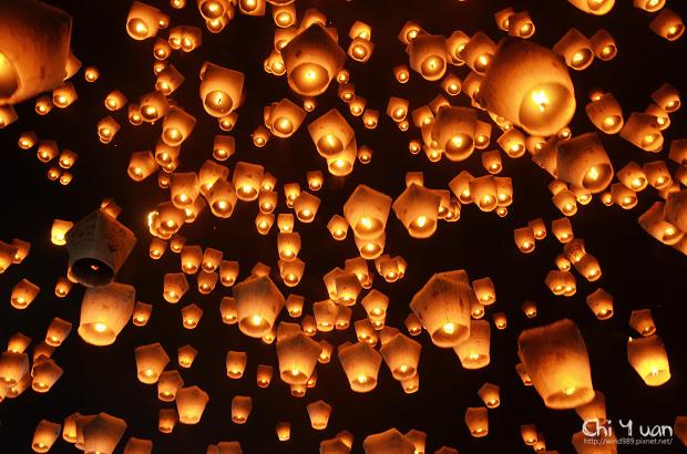 2012平溪天燈節-千燈01.jpg