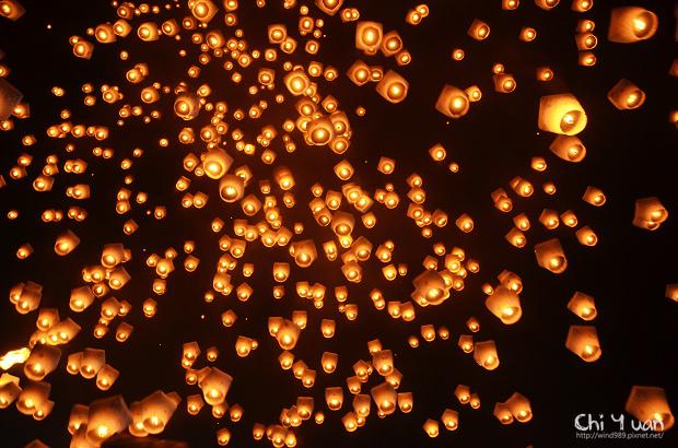 2012平溪天燈節-千燈24.jpg