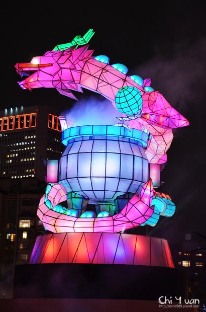 2012台北燈節主燈01.jpg