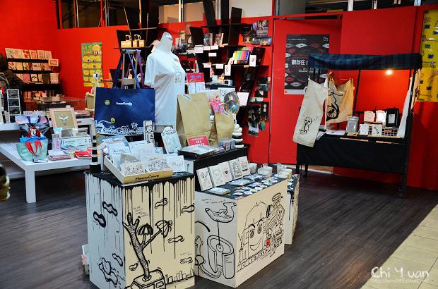 Shopping MOCA02.jpg