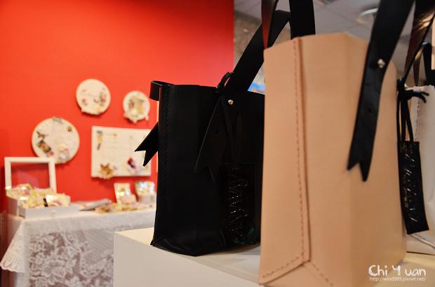 Shopping MOCA18.jpg