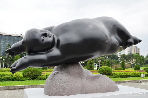 李真戶外雕塑展23.jpg