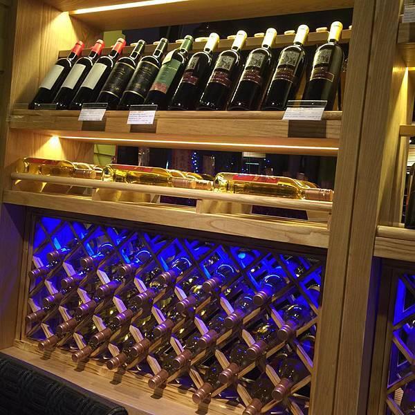 哥法諾酒櫃