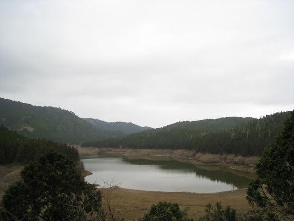 191.美麗的高山湖jpg