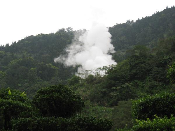 216保證真溫泉,你看山裡的煙.jpg