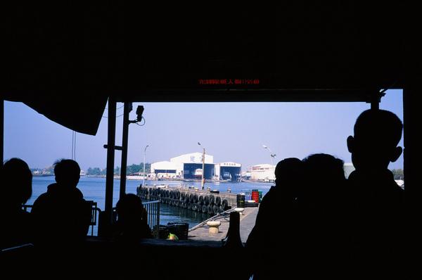 001快12點半才搭到船.jpg