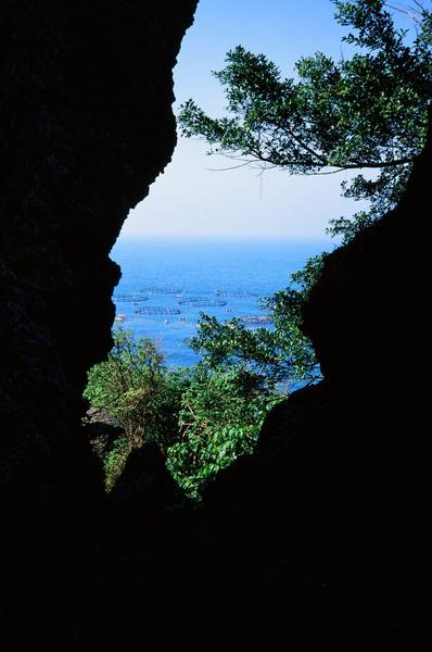 004遠遠看到清澈的海水.jpg