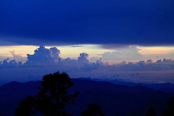 B-清晨之雲.jpg