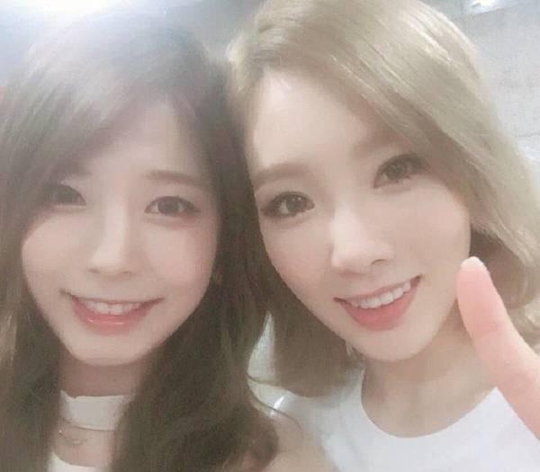 Girls-Generation-Taeyeon-Juniel_1468071991_af_org