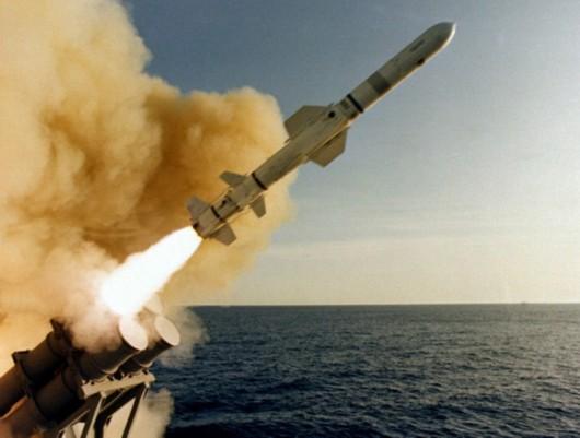 艦載型AGM-84魚叉導彈發射瞬間