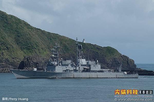 基隆級飛彈驅逐艦_美國紀德級飛彈驅逐艦_馬公號DDG-1805_1987年紀德級進行了「新威脅提升」(New Threat Upgrade,簡稱NTU)及「防空戰系提升」(AAW)計劃,改進了部分電子設備,防空系統並升級為標準二型防空飛彈