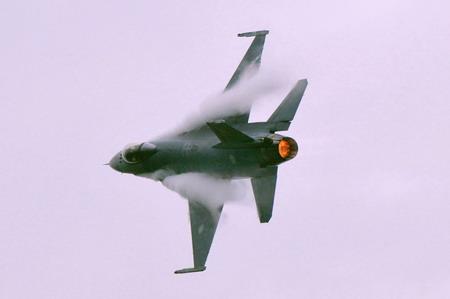 F-16 A_B.jpg