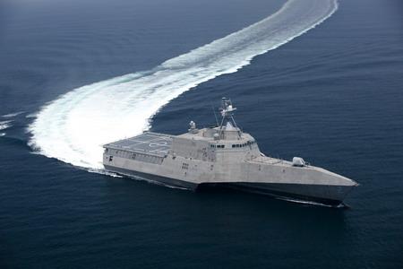 美國_海軍第2艘瀕海戰鬥艦獨立號(LCS 2)在2009年11月19日成功完成接收海上測試.jpg