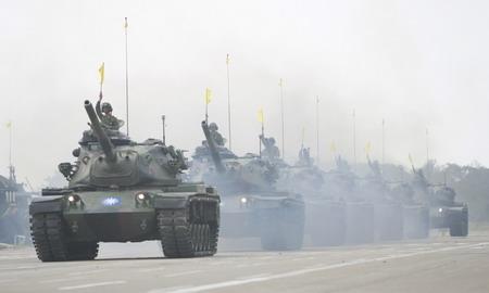 陸軍_裝甲584旅_11月7日舉辦登步部隊60週年慶_所屬M-60A3戰車戰鬥隊.jpg