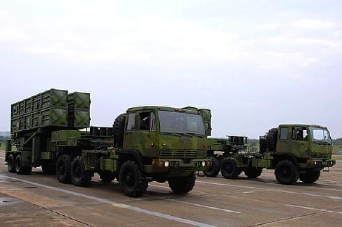 天弓1型四聯裝發射車