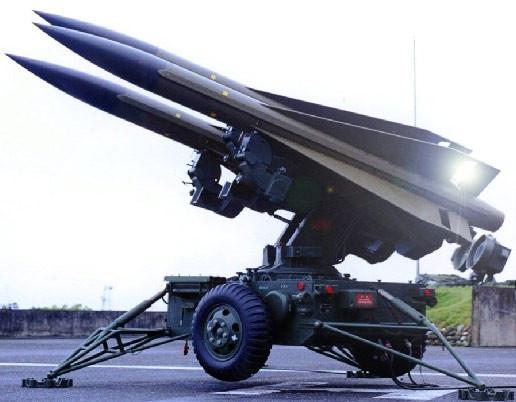 美國鷹式飛彈3_三聯裝.jpg